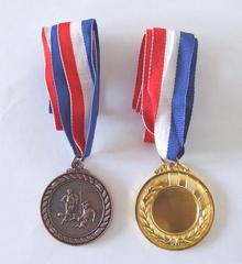 Медали (футбол)